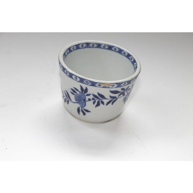 Asian Mid-Century English Blue and White Chinese Teacups -Set of 6 For Sale - Image 3 of 5