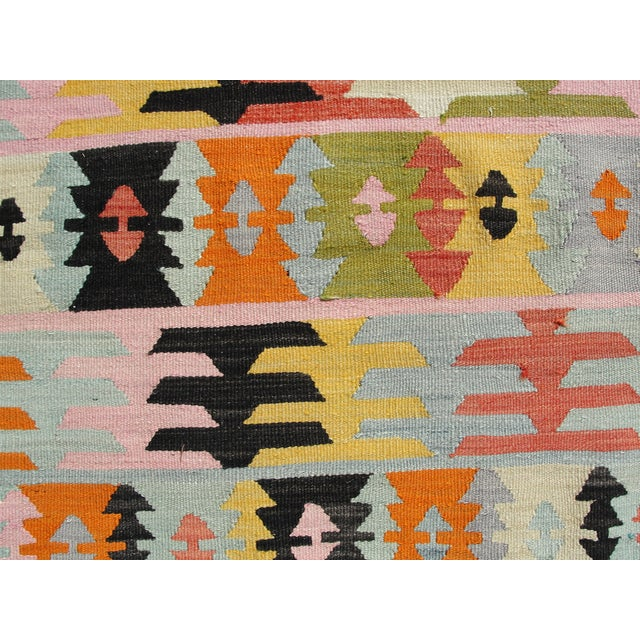 "Vintage Turkish Kilim Rug - 5'6"" x 8'1"" For Sale - Image 7 of 11"