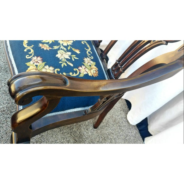 Early 20th Century 20th Century Chippendale Style Carved Mahogany Double Settee Bench For Sale - Image 5 of 9