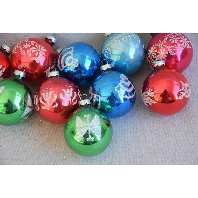 Mid 20th Century Vintage Colorful Christmas Ornaments W/Box - Set of 10 For Sale - Image 5 of 8