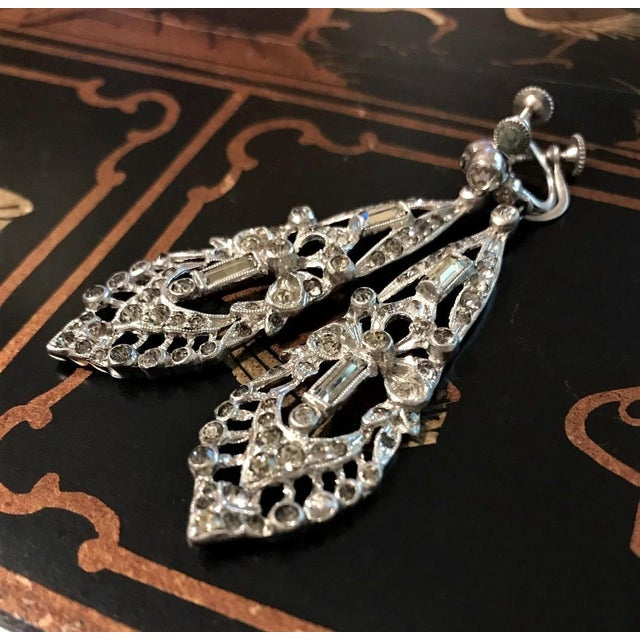 1920s Clear Faceted Stone Dangling Earrings For Sale - Image 4 of 5