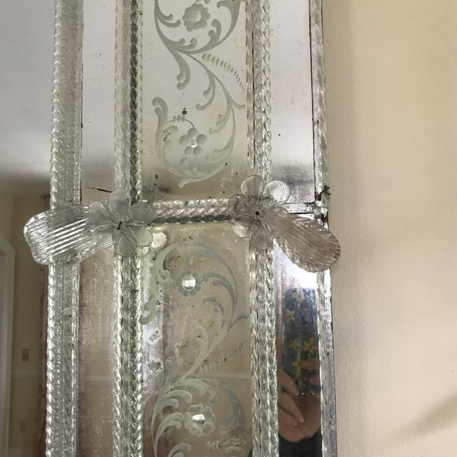 20th Century Venetian Glass Mirror For Sale - Image 4 of 7