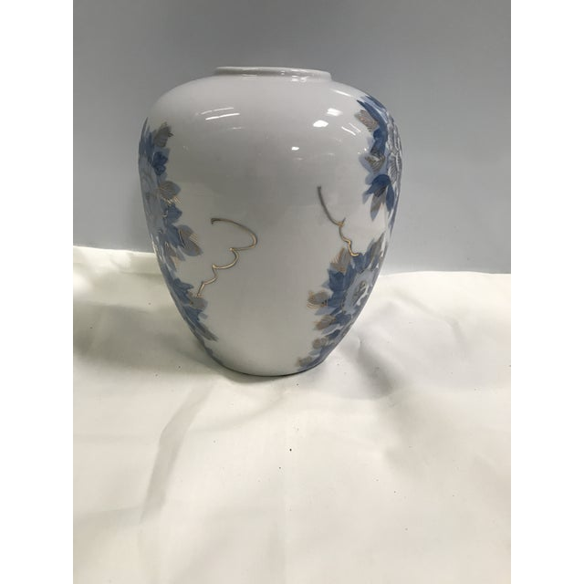 Hand-Painted Chrysanthemum Jar - Image 6 of 8
