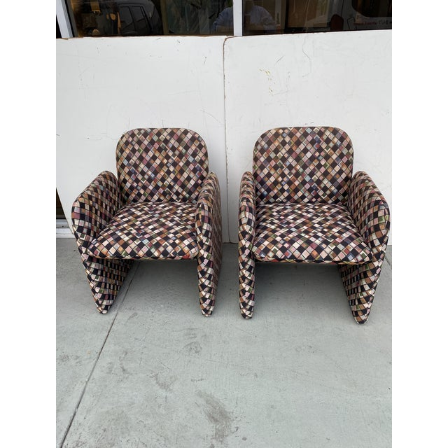 Pair of Vintage Lounge Chairs in Geometric Fabric. For Sale In Miami - Image 6 of 13