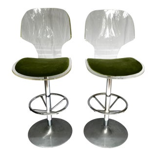 Pair of Mid-Century Modern Lucite Bar Stools For Sale