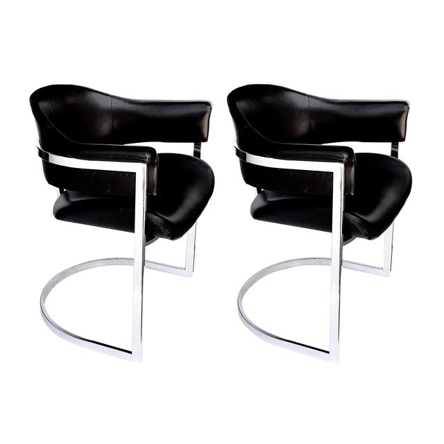A Stylish and Comfortable Pair of Italian Chrome and Black Leather Chairs Designed by Vittorio Introini for Mario Sabot 1970's For Sale
