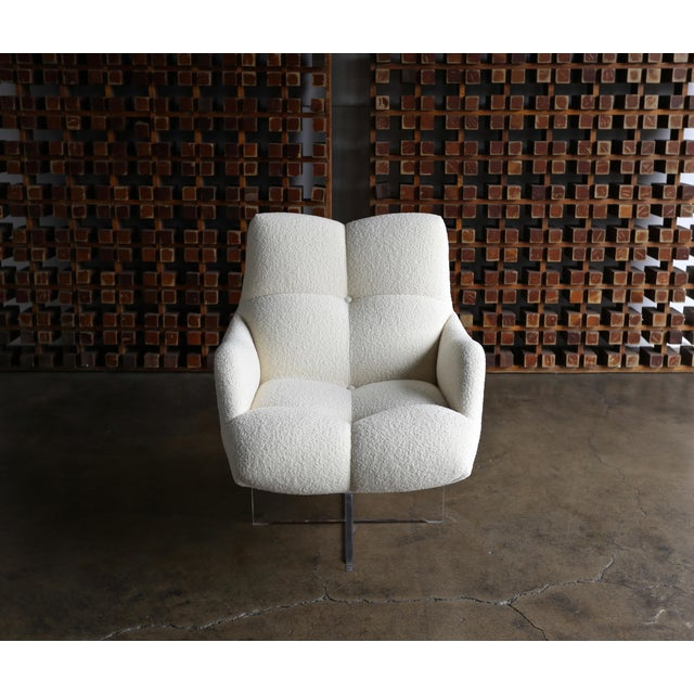 Vladimir Kagan Lucite and Bouclé Swivel Lounge Chair Circa 1970 For Sale - Image 11 of 13