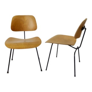 Pair of Charles and Ray Eames Dining Chairs Metal Legs DCM for Herman Miller For Sale