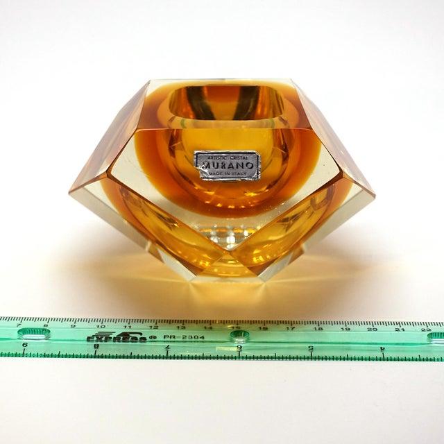 Alessandro Mandruzzato 1960s Vintage Mandruzzato Murano Gold Glass Diamond Cut Block Trinket Dish For Sale - Image 4 of 8