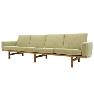 Hans J. Wegner Model Ge-236/4 Sofa, 1950s For Sale