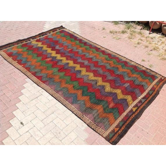 Boho Chic Vintage Turkish Kilim Rug - 6′ × 10′2″ For Sale - Image 3 of 6