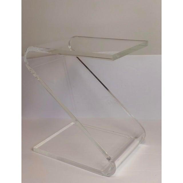 Plastic 1970s Vintage John Mascheroni Z-Shaped Lucite Side Table For Sale - Image 7 of 8