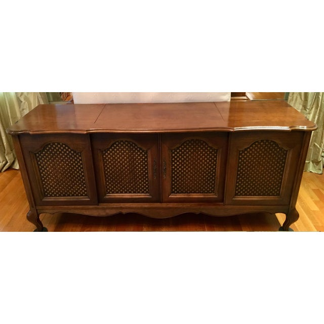 French Provincial Credenza With Built-In Record Player & Stereo For Sale - Image 3 of 12