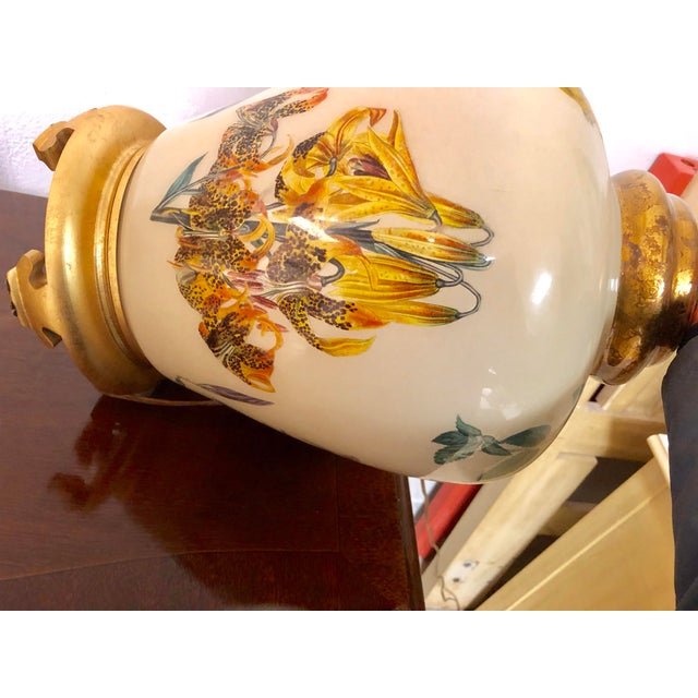 Metal Chinoiserie Style Floral & Botanical Table Lamp For Sale - Image 7 of 8