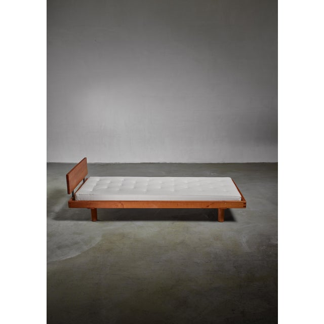 Pierre Chapo Pierre Chapo Long L09 Daybed or Bench, France, 1960s For Sale - Image 4 of 4
