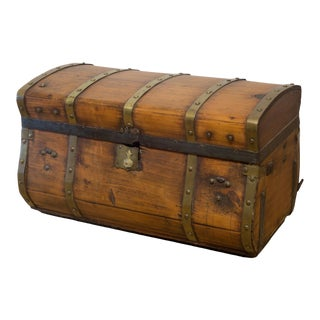 19th C. Jenny Lind Wood and Brass Stagecoach Dome Trunk C.1850-1860 For Sale
