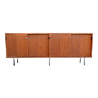 1960s Mid Century Florence Knoll for Knoll Walnut Credenza For Sale