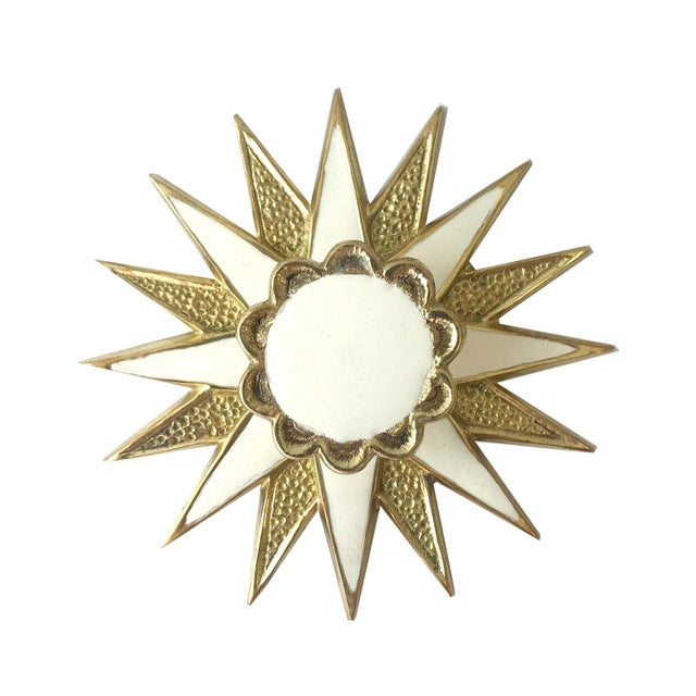 Boho Chic Addison Weeks Michelle Nussbaumer Large Star Backplate & Enamel Knob, Brass & White For Sale - Image 3 of 4
