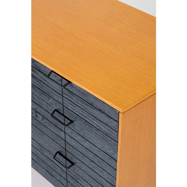 """Metal Raymond Loewy's """"Accent"""" Line Nine-Drawer Dresser for the Mengel Company For Sale - Image 7 of 13"""