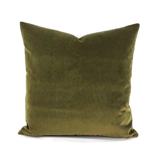 """Textile Kravet Delta Velvet in Loden Green Pillow Cover - 20"""" X 20"""" Solid Moss Green Velvet Cushion Case For Sale - Image 7 of 7"""