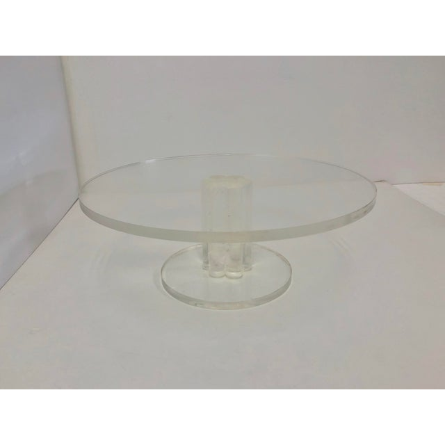 Vintage lucite cake platter subtle but chic and minimal enough to let the beauty of your cake take the spotlight