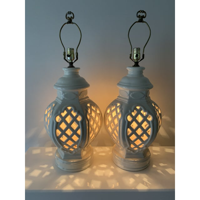 Cream Vintage Chinoiserie Ginger Jar Lamps - a Pair For Sale - Image 8 of 13
