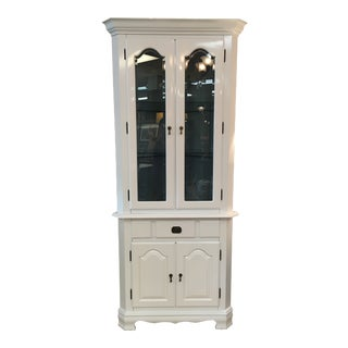 1950s Traditional High Gloss White Corner Cabinet For Sale