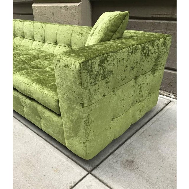 Custom Tufted Green Velvet Sofa Flavor Custom Design For Sale In New York - Image 6 of 8