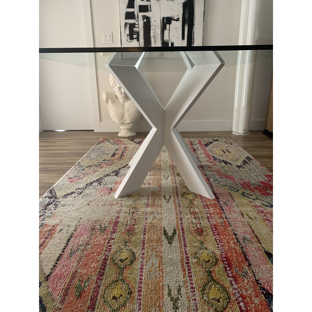 """Cool table base lacquered white. Simple, bold and modern. Can handle up to 53"""" round glass or 60"""" x 35"""" rectangular glass...."""