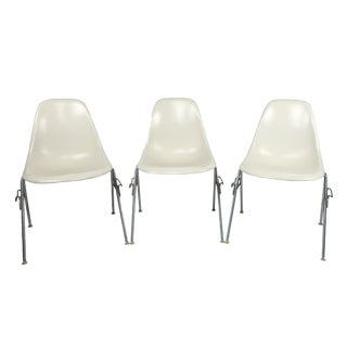 White Eames Stacking Chairs for Herman Miller - Set of Three For Sale