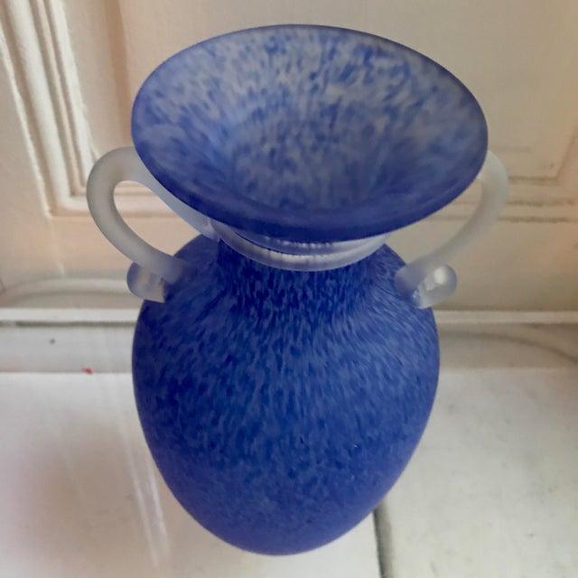 Murano Scavo Style Royal Blue Roman Urn Shaped Vase - Image 4 of 6