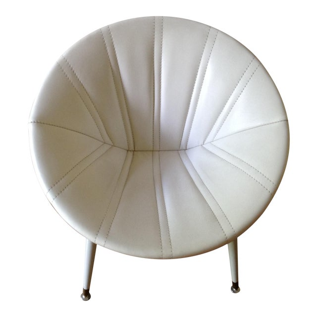 Enjoyable 1960S Vintage White Leather Saucer Chair Squirreltailoven Fun Painted Chair Ideas Images Squirreltailovenorg
