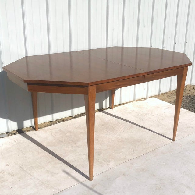 Mid-Century Modern Mid-Century Modern Dining Room Table With Leaf For Sale - Image 3 of 13