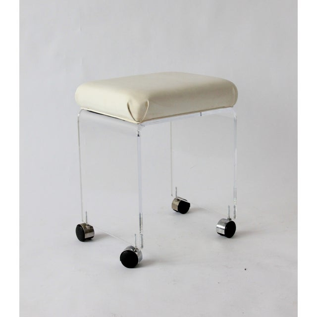 Mid-Century Modern Vintage Lucite and Leather Rolling Stool For Sale - Image 3 of 9
