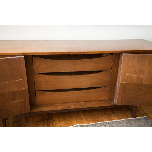 American of Martinsville Walnut Diamond Front Dresser For Sale - Image 10 of 10