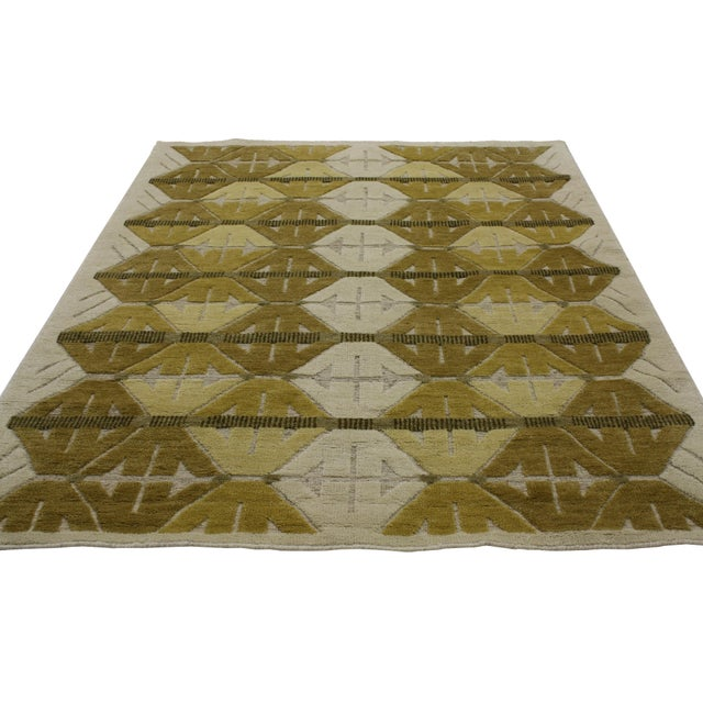 """Contemporary Geometric Design High & Low Pile Rug - 5'5"""" x 7'7"""" For Sale - Image 3 of 4"""