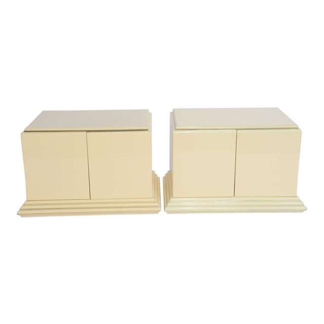 1970s Mid-Century Modern Rougier Cream Lacquer Bedside Tables - a Pair For Sale