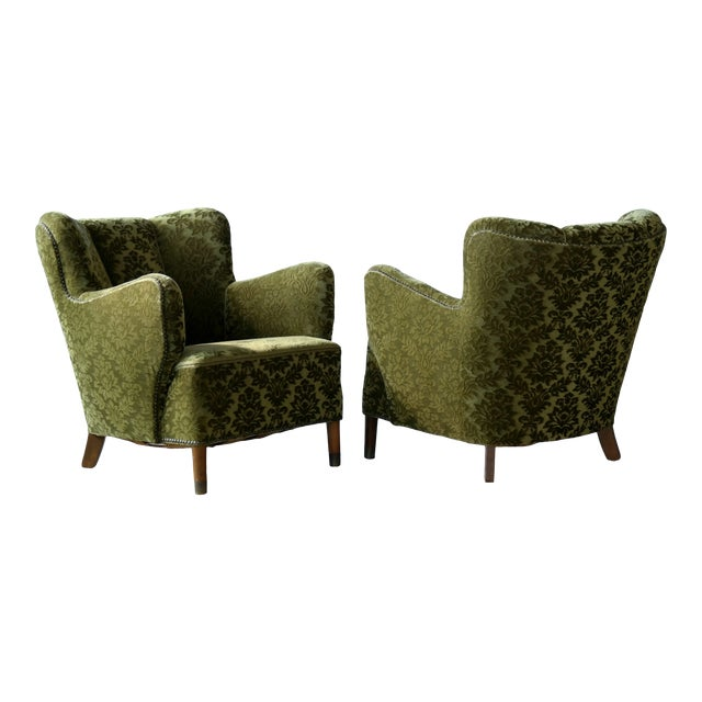 Pair of Danish 1940s Fritz Hansen Model 1669 Style Lounge Chairs For Sale