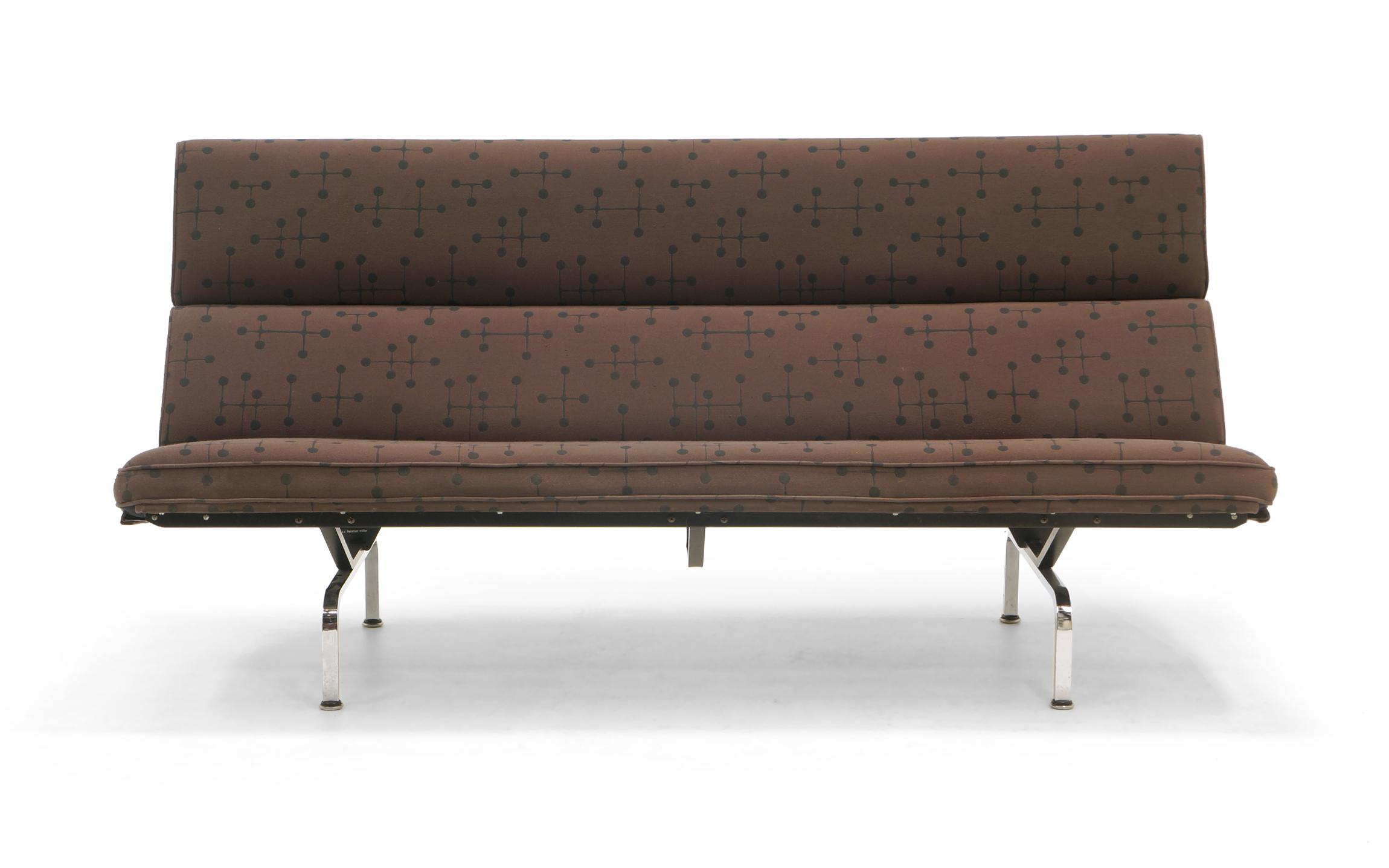Elegant Charles And Ray Eames Sofa Compact For Herman Miller In Eames Dot Pattern  Fabric   Image