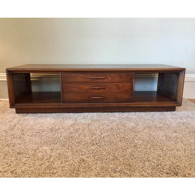 Broyhill Emphasis Coffee Table