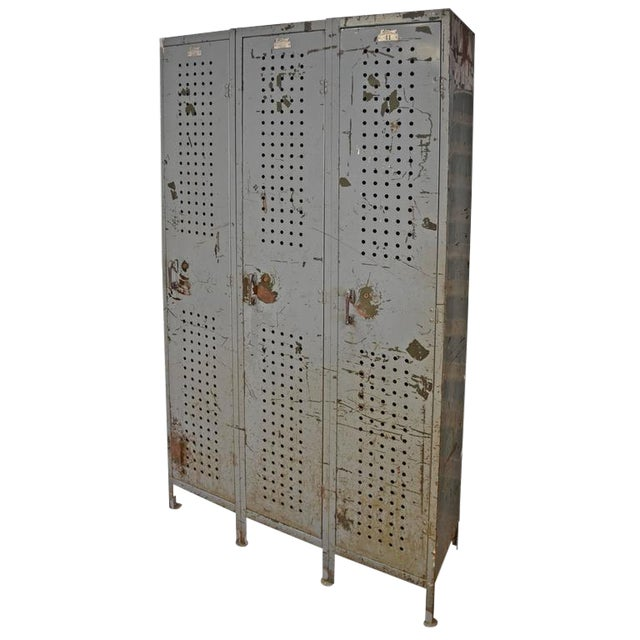 Industrial Locker Unit - Image 1 of 10
