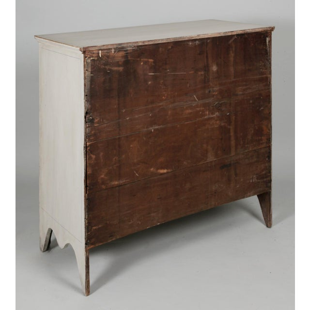 Antique American Country Hepplewhite Painted Chest of Drawers For Sale In New York - Image 6 of 7
