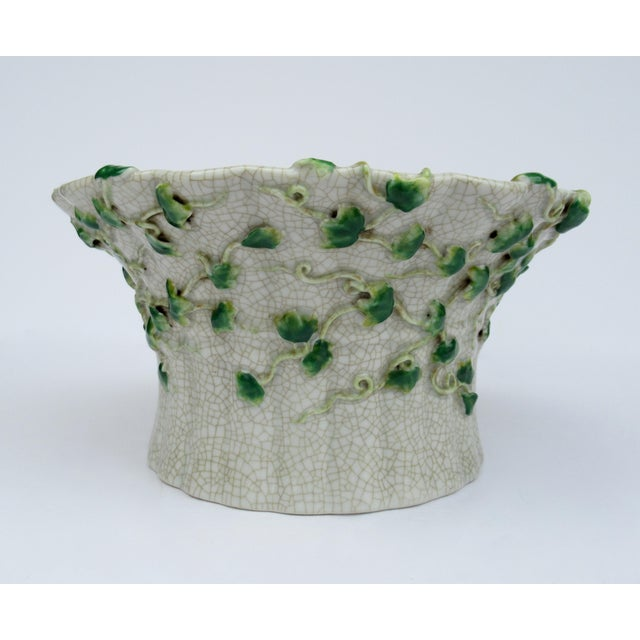 1960s Vintage Ceramic Crackle Center Bowl With Adorned English Ivy by United Wilson/Hong Kong For Sale - Image 5 of 13
