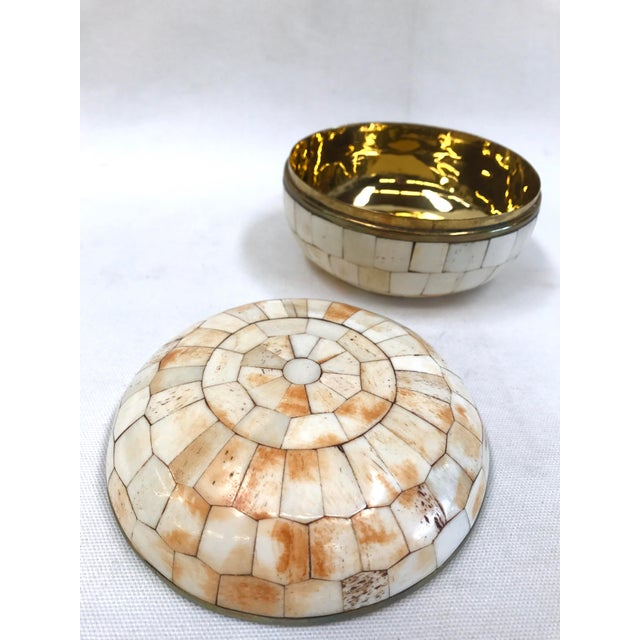 Vintage Trinket Box Tessellated Bone Over Brass - Image 5 of 6