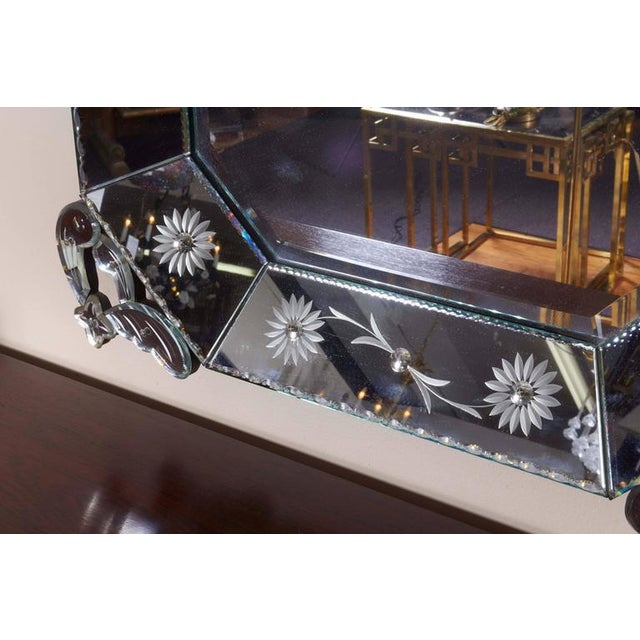 Extra Large 1940s Italian Hollywood Regency Venetian Mirror With Elaborate Etching For Sale - Image 4 of 8