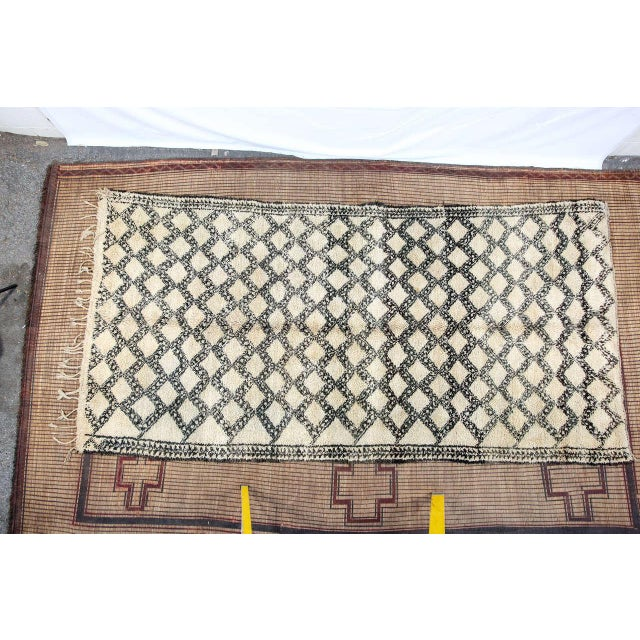 Beni Ouarain Shaggy Moroccan Rug North Africa For Sale - Image 9 of 9