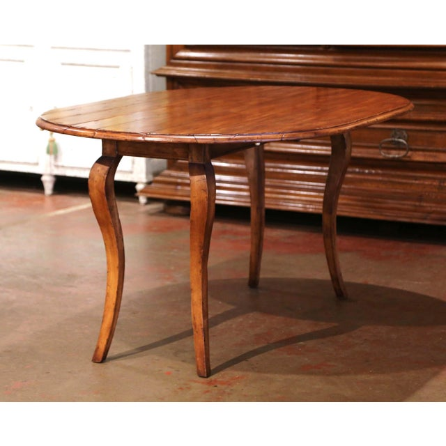 Vintage French Louis XV Carved Walnut Drop Leaf Oval Console Table For Sale - Image 4 of 11