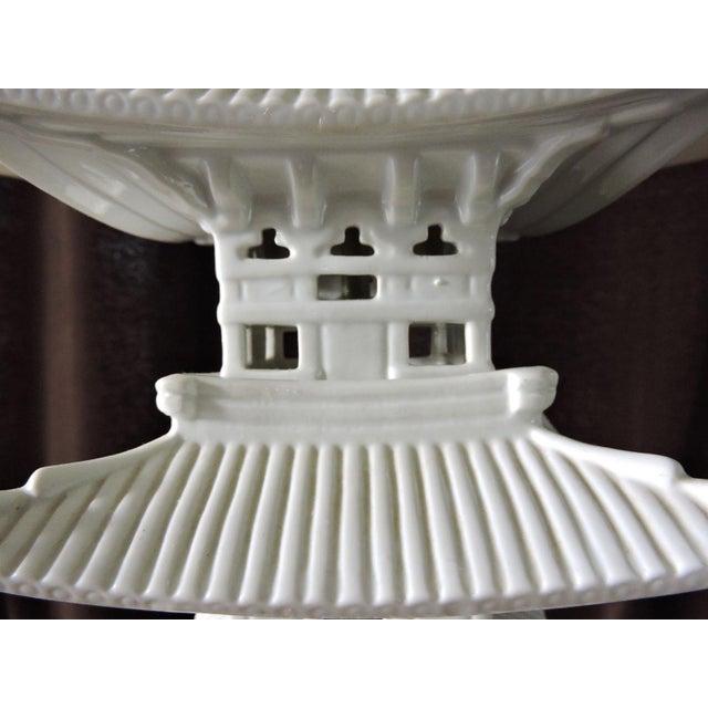 Blanc De Chine Oriental Pagoda Table Lamp - Image 4 of 6