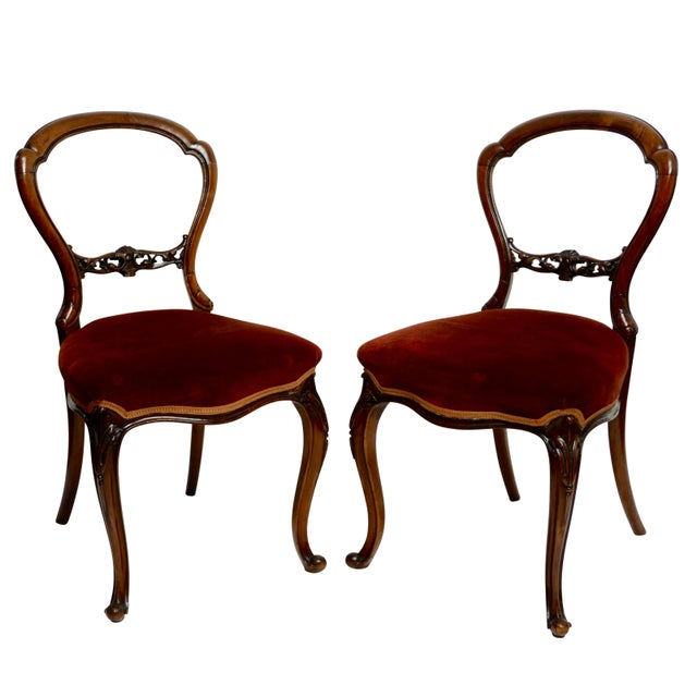 Pair of Walnut Balloon Back Side Chairs, English Victorian 19th Century For Sale - Image 11 of 12