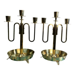 1950s Tommi Parzinger Dorlyn Silversmiths Modernist Brass Candlesticks - a Pair For Sale